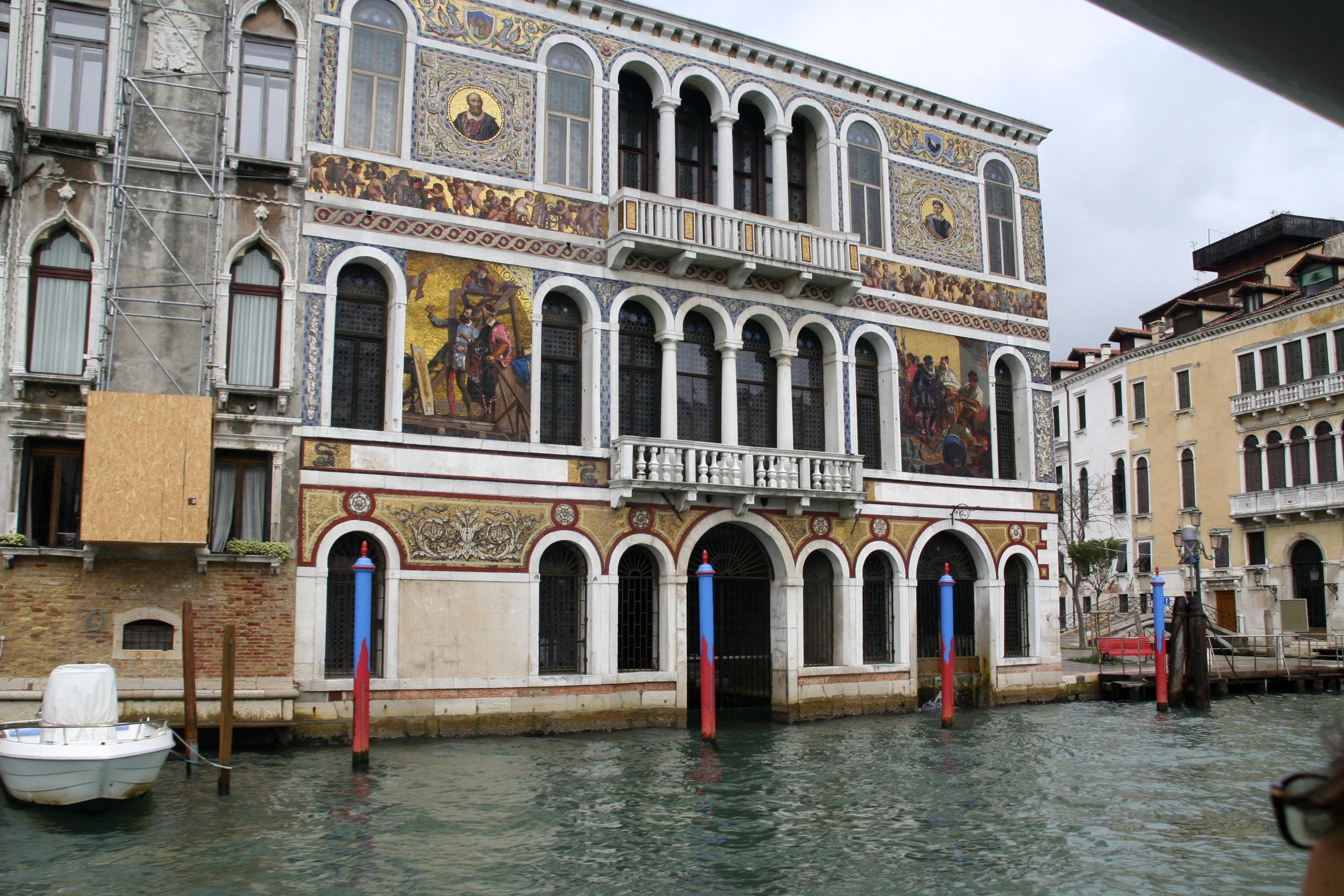 Palast am Canal le Grande